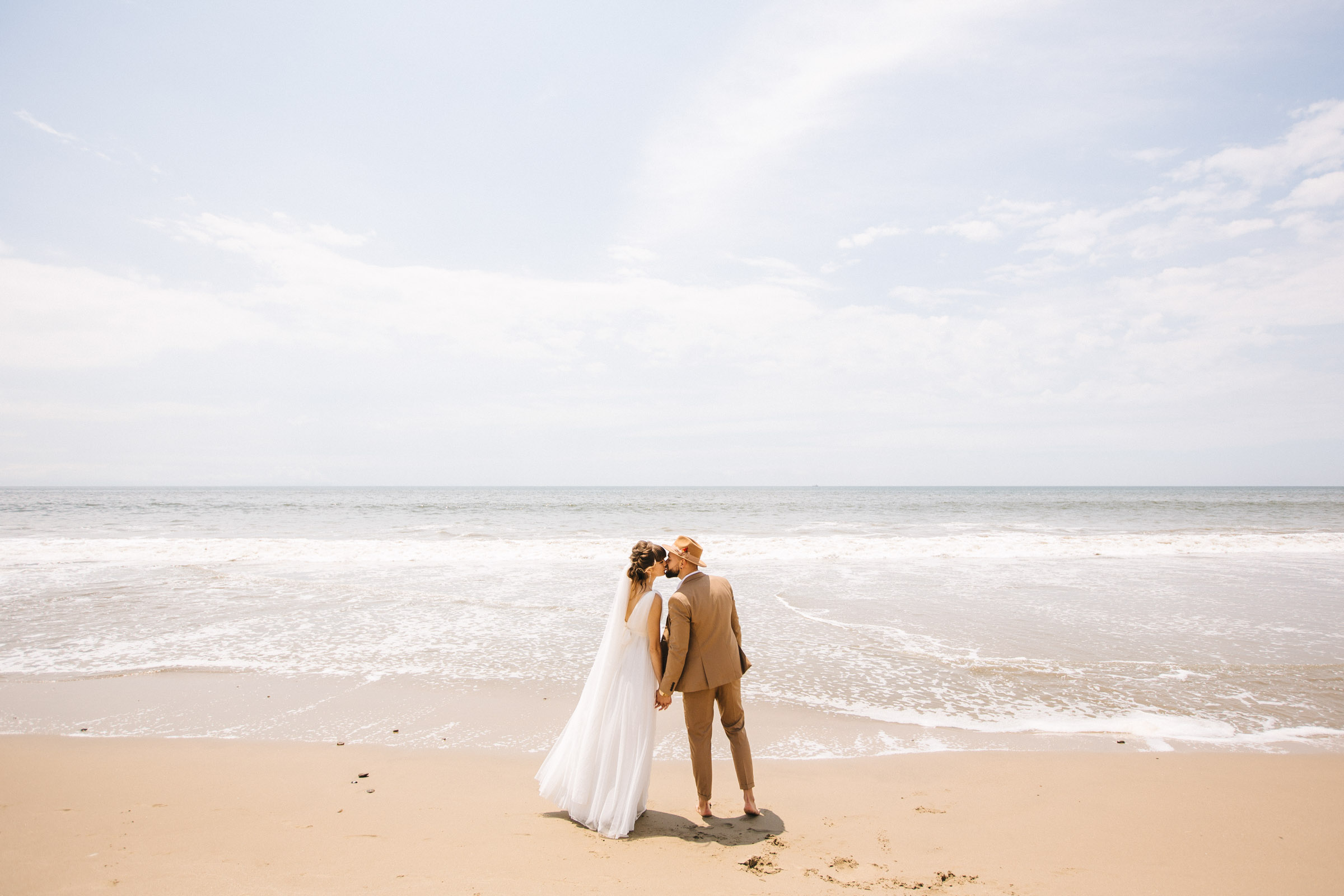 Romantic wedding photo bride and groom b