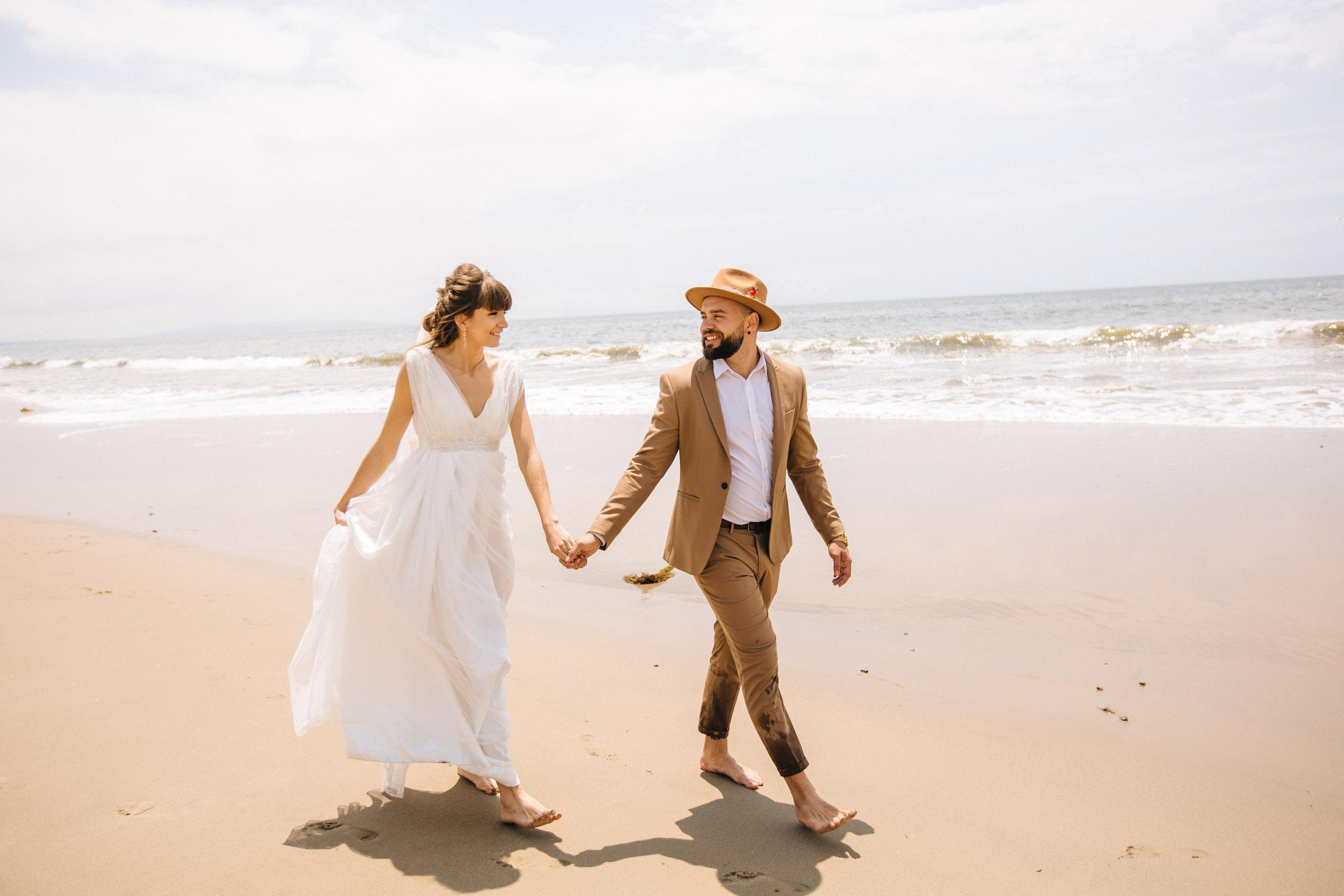 Wedding photo shoot in los angeles happy