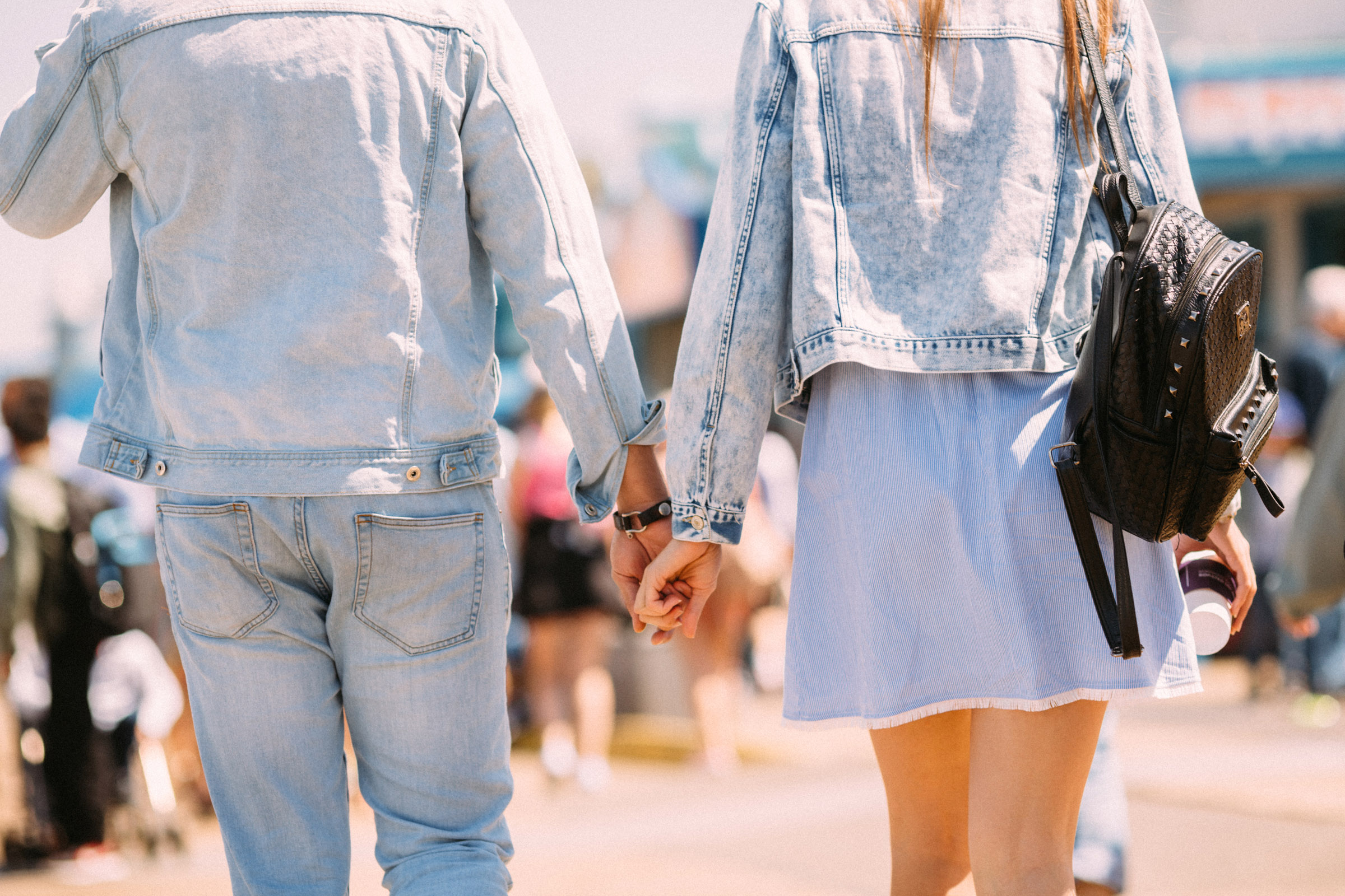 Love couple holding hands _ Engagement p