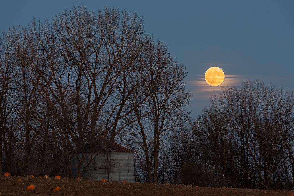Super Moon over Lakeville