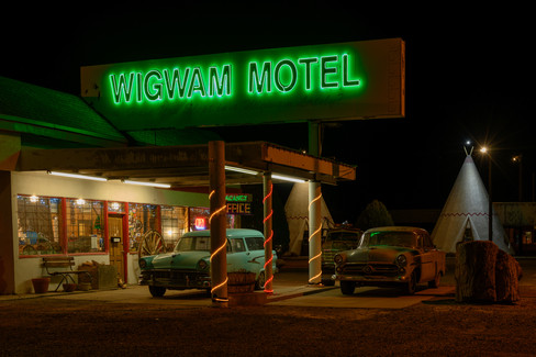 Check-in at the Wigwam Motel