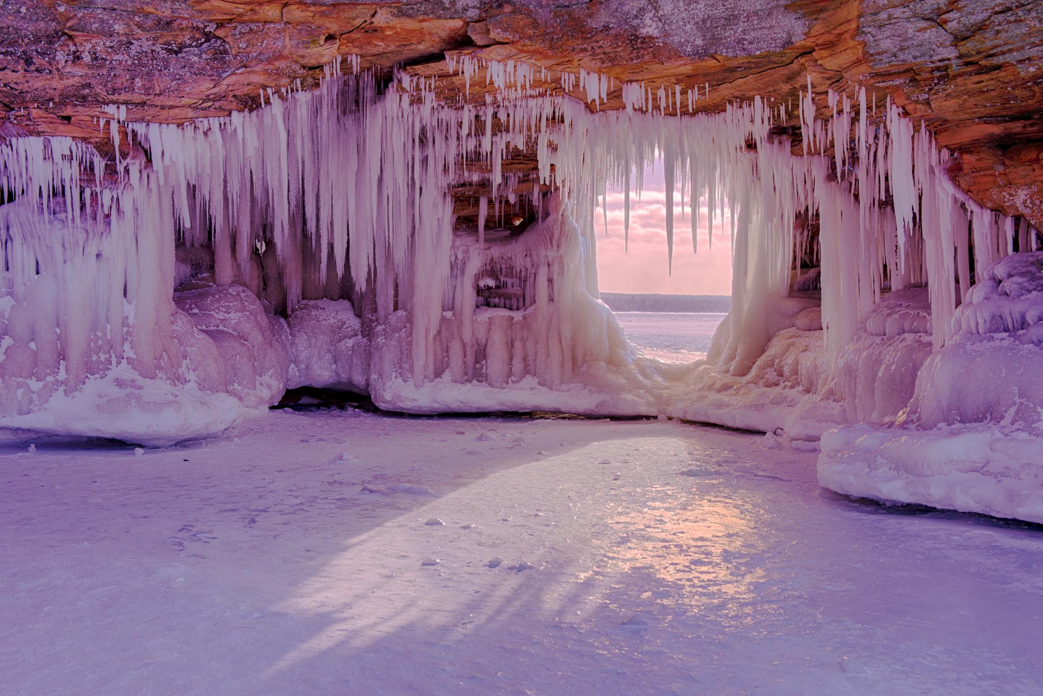 Key Hole - Apostle Islands Ice Caves