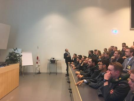 Bericht Besuch der Alumni ED! an der Inf OS 10-1 Liestal