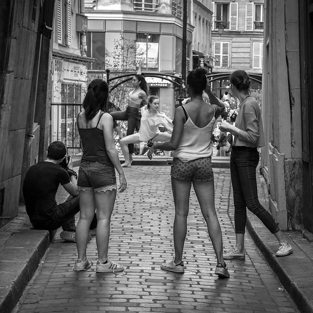 Street acrobates 850.jpg
