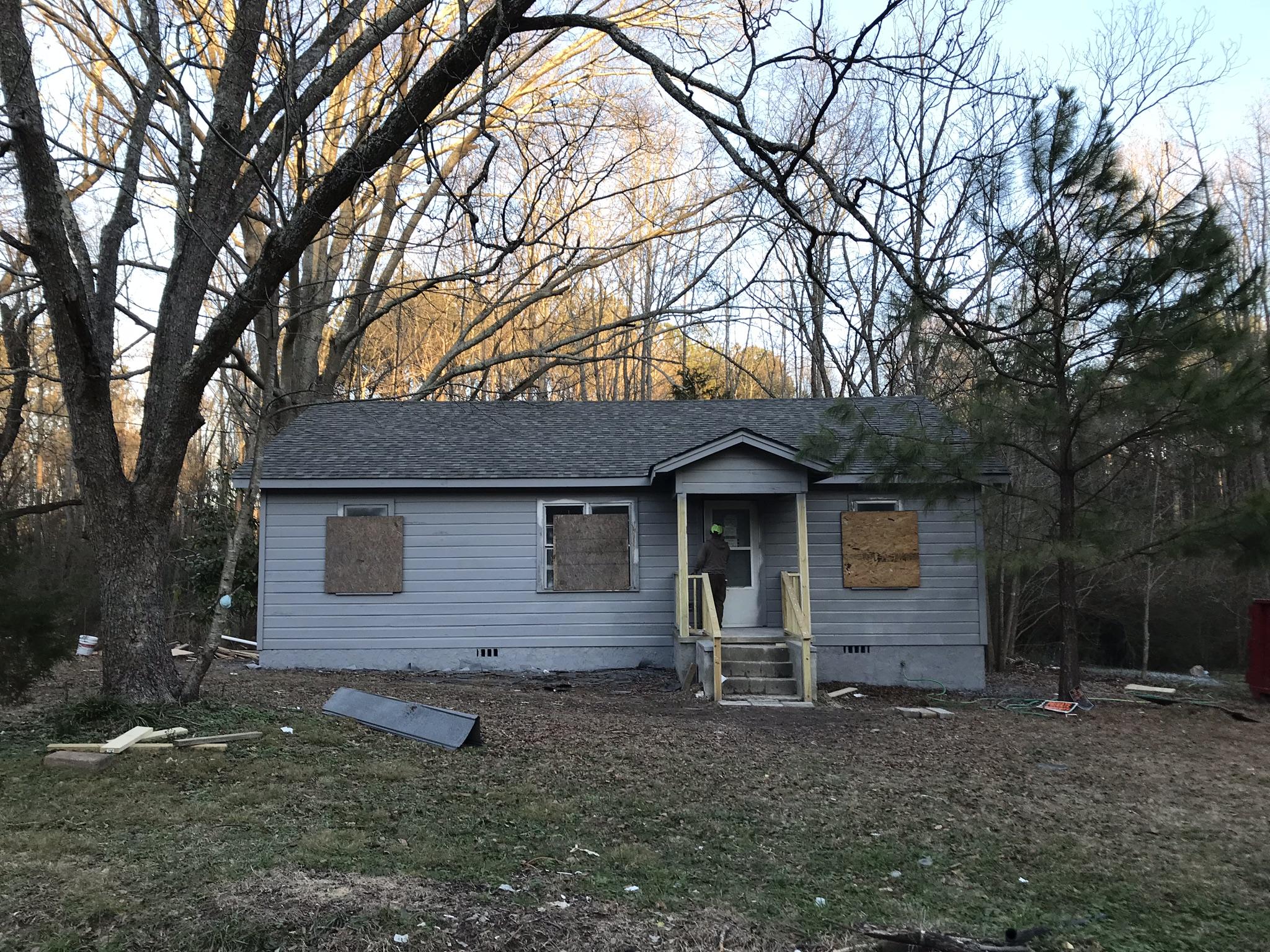 ext house 1st coat paint