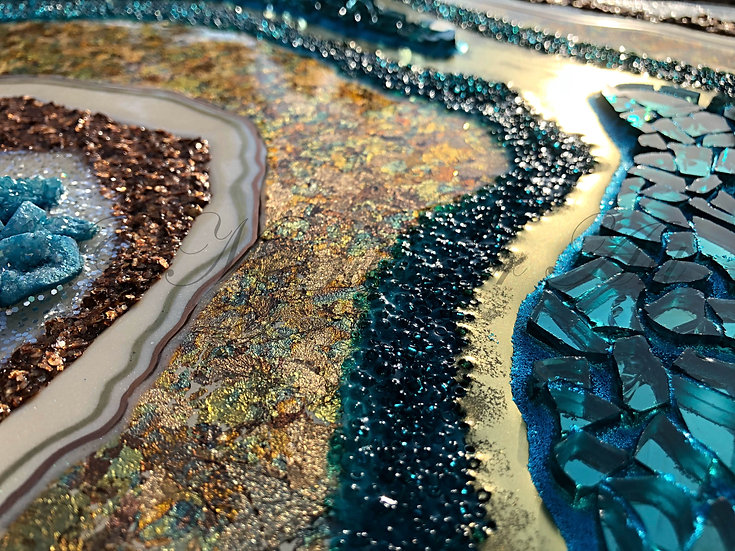 Moonkusser Art: Original Resin Art Painting in Geode Style, Geode Turquoise, detail 2
