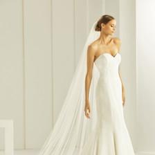 S261-Bianco-Evento-bridal-veil-(1).jpg