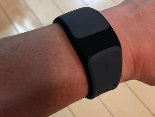 胸ストラップの代わりに心拍を計測する心拍センサー