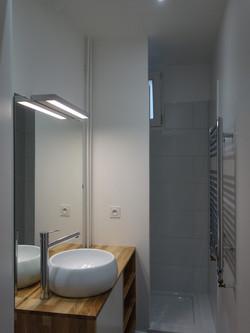 Après : salle de bain optimisée