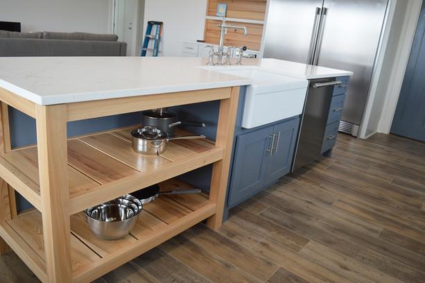 Custom Kitchen Island and Cabinets