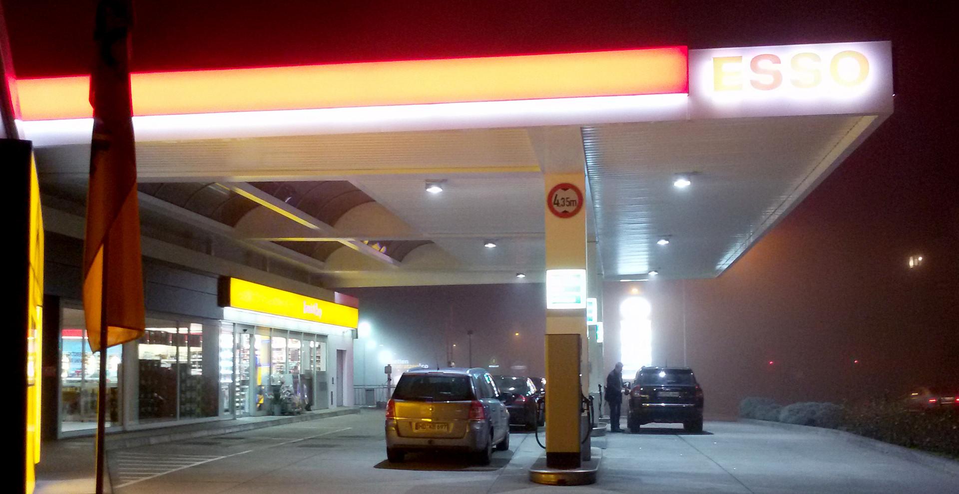 Lackierung Tankstellendach ESSO Lützelsachsen