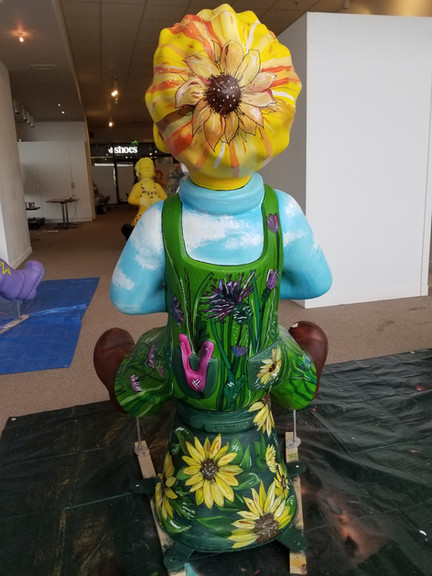 Oor Wullie and the Big Bucket Mural Sculpture Painting