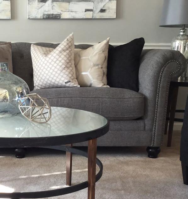 Shawnda's Living Room 5.jpg
