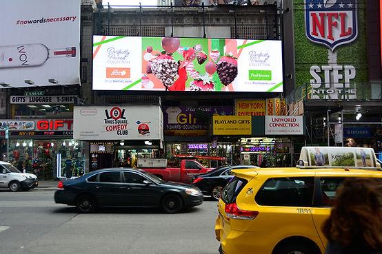 Times Square Bannr