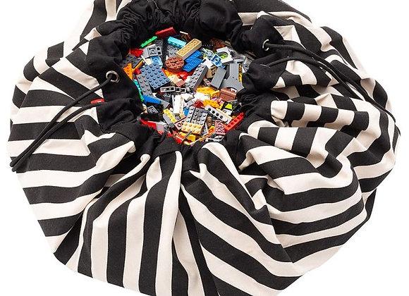♡ Spielzeugaufbewahrung und Teppich schwarz weiß von Play & Go