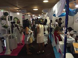 Une allée du Salon du Mariage de Martinique