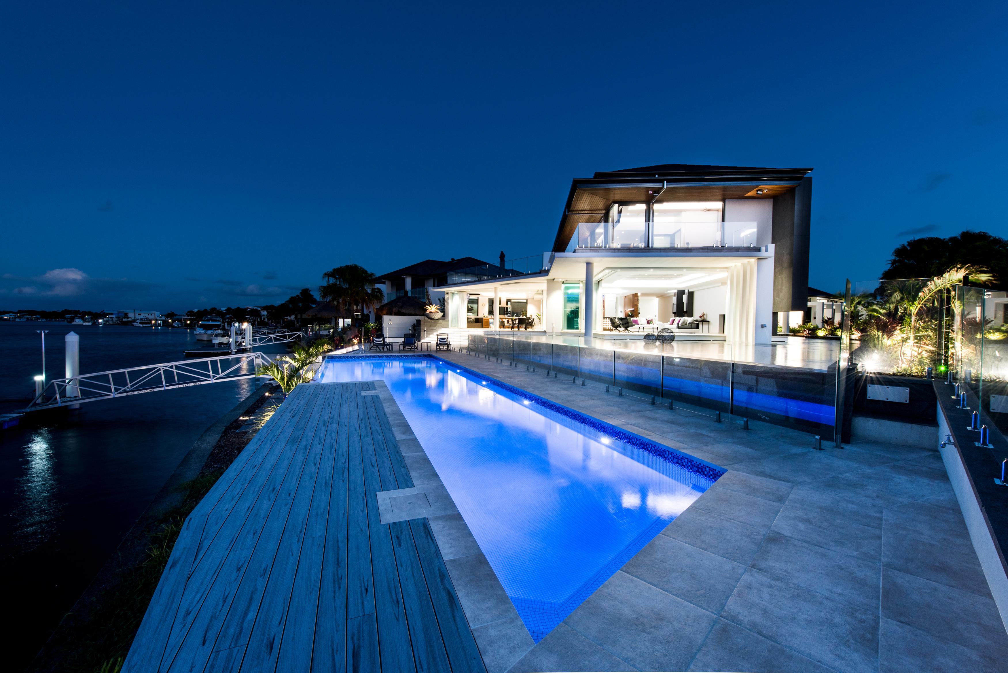 pool & living room