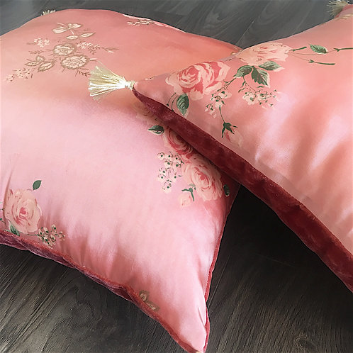 Bobo-romantic cushion, floral fabric from the 1930s