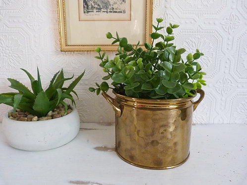 Small hammered brass planter with handles - Made in Holland