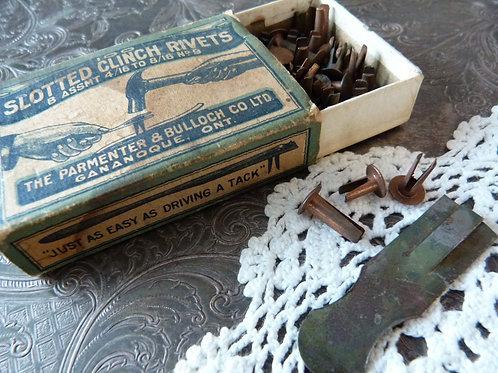 Boîte de rivets antiques Parmenter & Bullock Co. Ltd - circa 1900