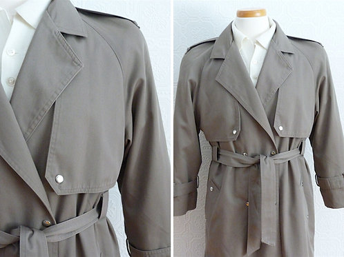 Khaki trench coat with removable wool lining