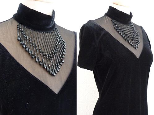 Robe de soirée en velours noir, décolleté translucide, perles - LORI WEIDNER