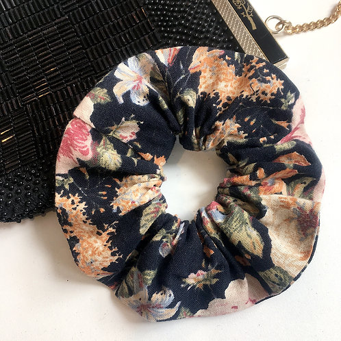 Handmade scrunchie - vintage fabric of your choice