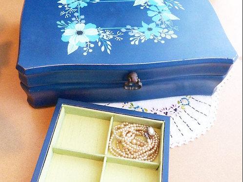 Boîte à bijoux revampée - bleue, esprit boho
