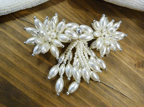Pince à cheveux / Grosse barrette avec perles, blanc nacré et argent