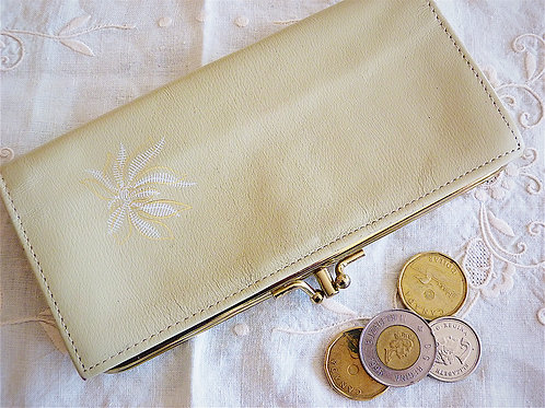 CAMBRIDGE genuine leather beige wallet / purse