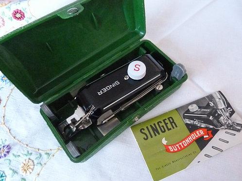 Boutonnière pour machine à coudre Singer - 1959
