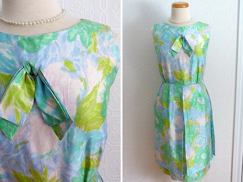 Sleeveless paneled dress - 1950s