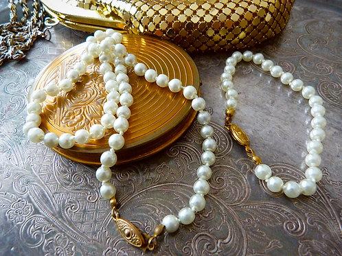 Ensemble collier et bracelet en fausses perles