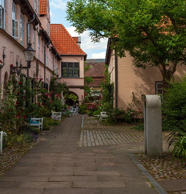 Gården där Hutter möter van Helsing. Lübeck, Tyskland.