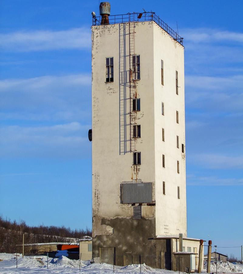 Klicka på pilarna i vänstra hörnet för större version av bilden.