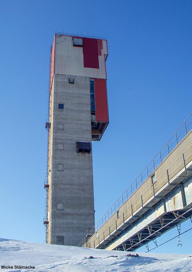 Gråbergslaven på Kiirunavaara. Klicka på pilarna i vänstra hörnet för större version av bilden.