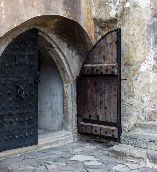 Ingången till Orloks krypta där Hutter finner kistan.