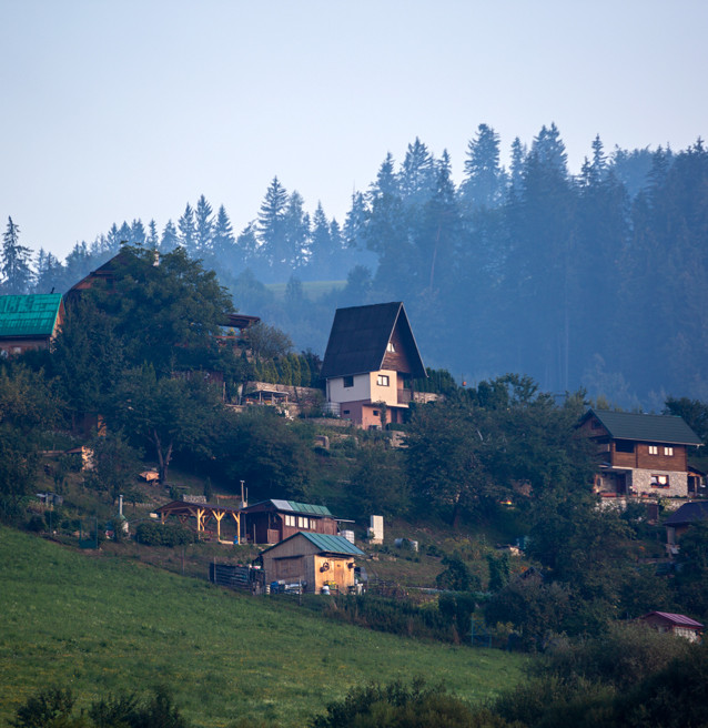 Tidig morgon i Dolný Kubín, Slovakien.