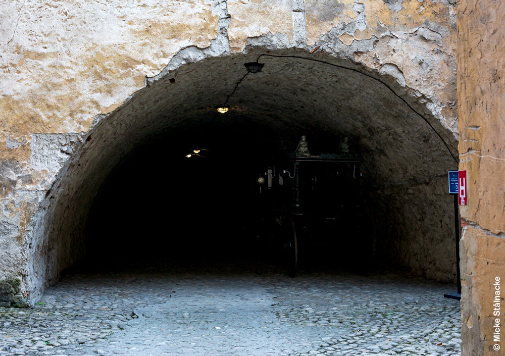 Valvet där Orlok framträder ur mörkret i väntan på Hutter.