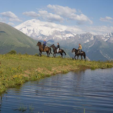 elbrus-mountain-3472333.jpg