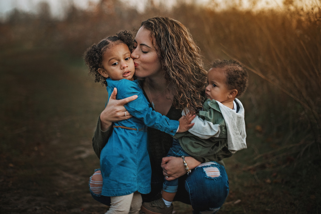 family outdoor portrait photography suns