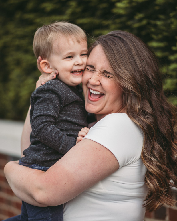 mom and baby portraits Indianapolis Indiana