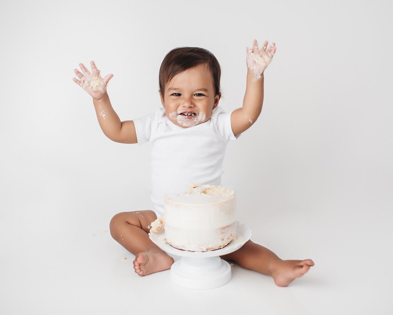 first birthday cake smash photo shoot Indy
