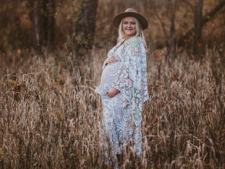Indianapolis Newfields Maternity Family Session