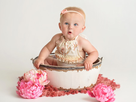 Savannah's Cake Smash Portraits; Indianapolis Indiana Photo Studio