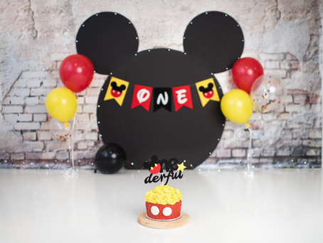Mickey Mouse Cake Smash Photo Session / Baby Dylan / Indianapolis