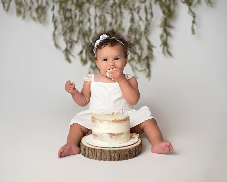 cake smash studio photo session simple b