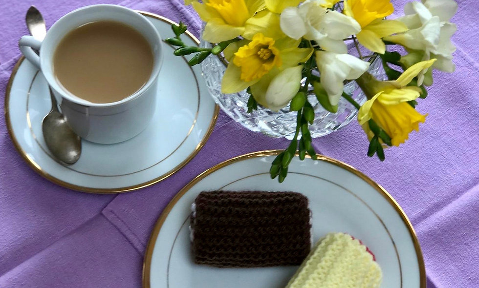 Jam / Chocolate Mini Rolls. A Play Food Knitting Pattern