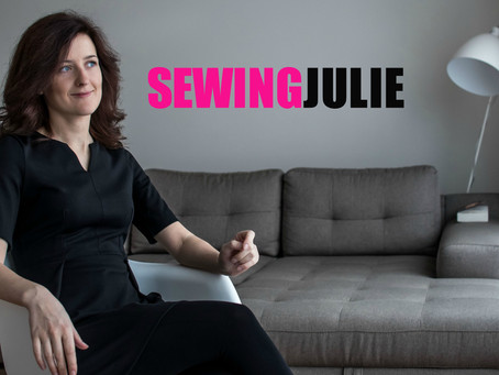 Hello World! It's me – SewingJulie!
