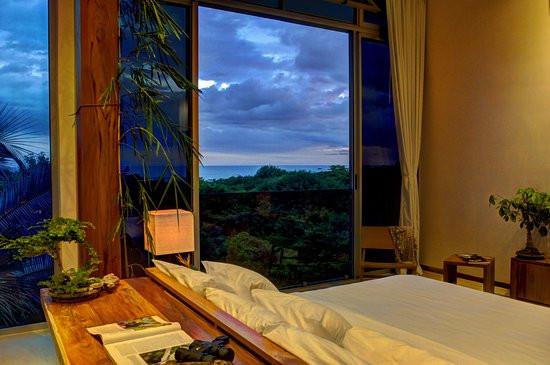 moana-surf-resort.jpg
